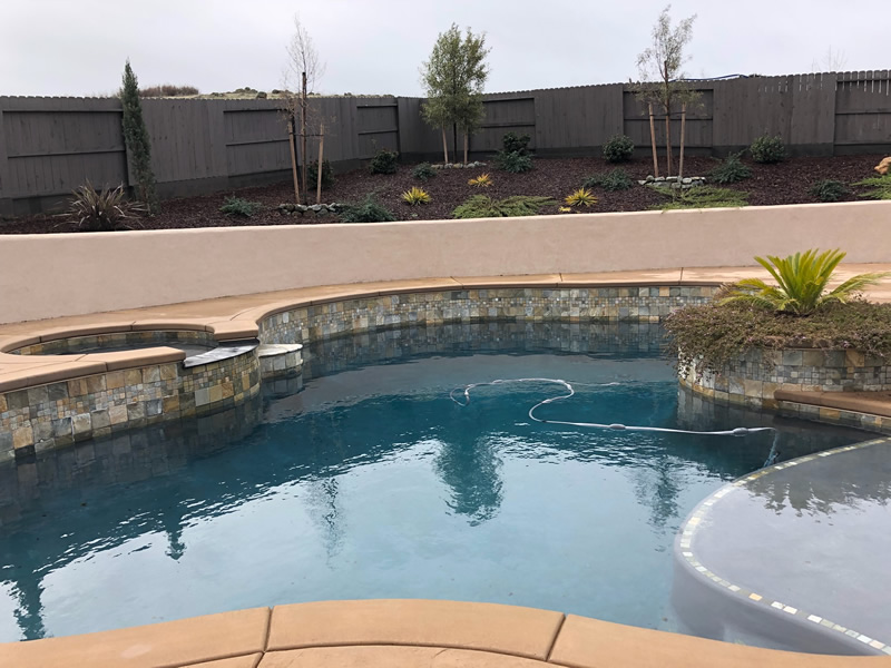 Roseville why you should consider a weekly pool service